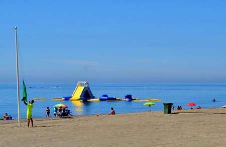 Peon de limpieza playas Villajoyosa